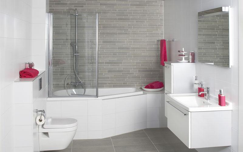 Geniet van een badkamer met bad wooning
