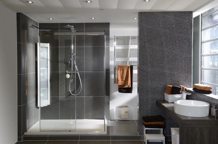 Betonlook Badkamer Maken : Betonlook badkamers bij wooning