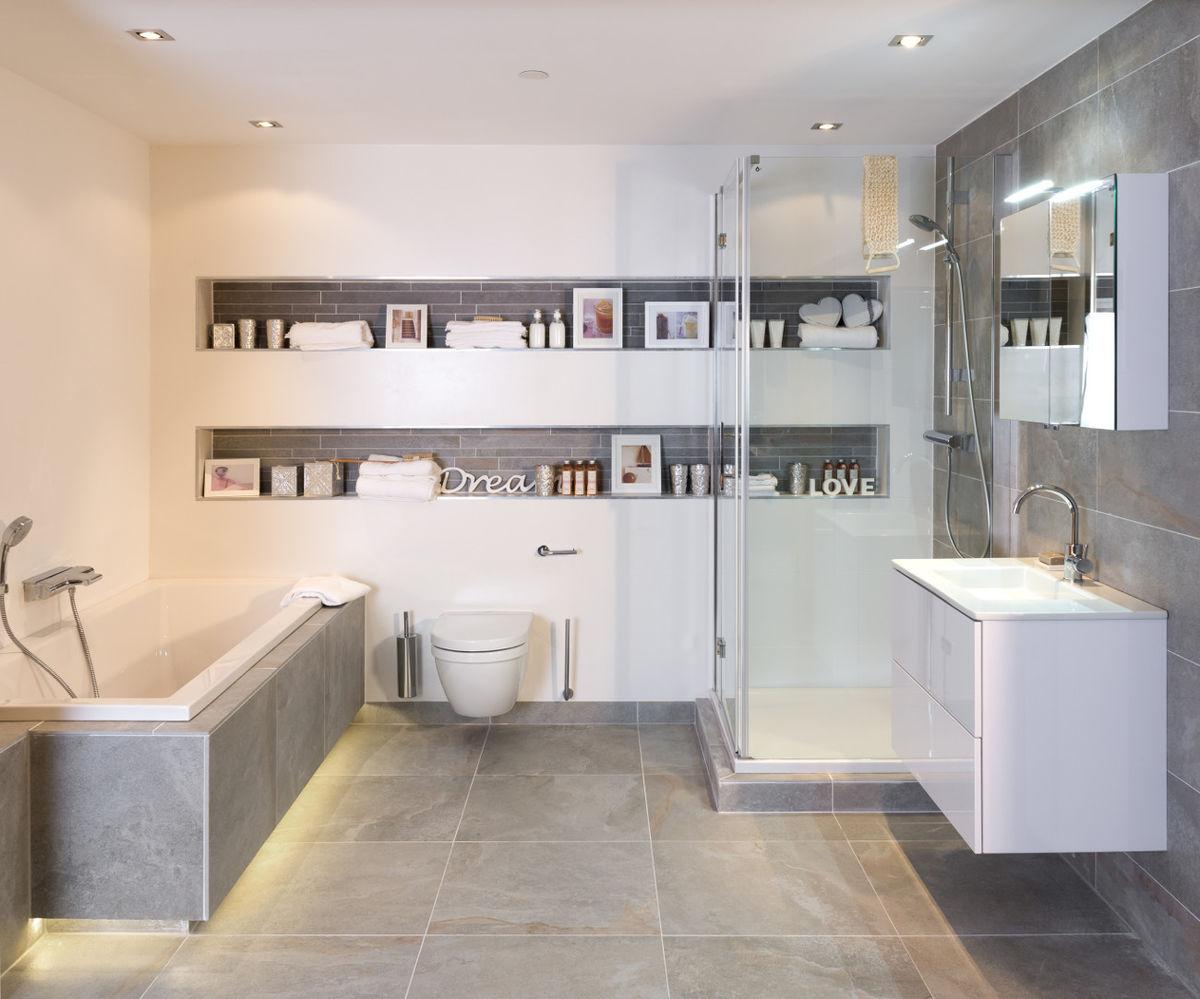 Badkamer met betonlook tegels