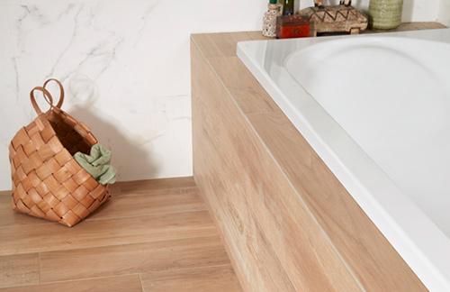 Natuurlijke materialen in de badkamer