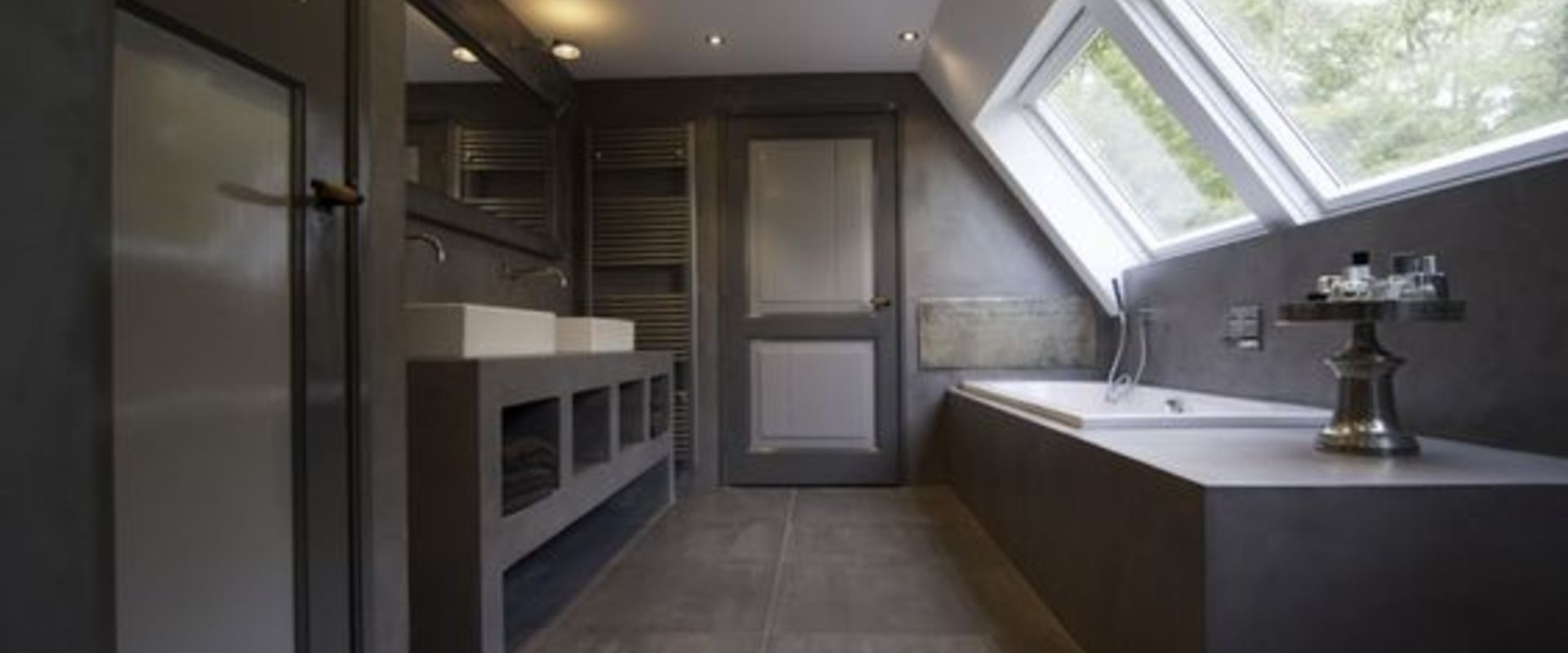Super Badkamer met schuin dak - Wooning #MZ15