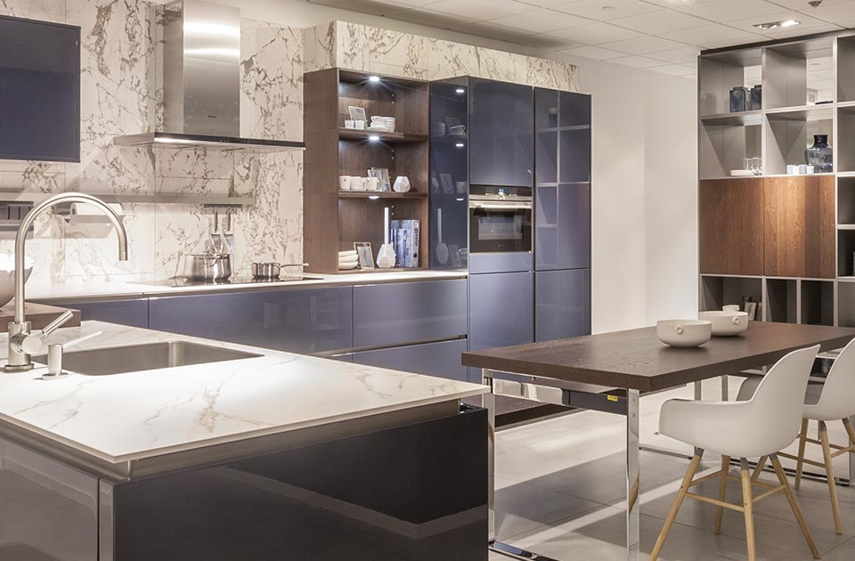 Blauwe greeploze keuken