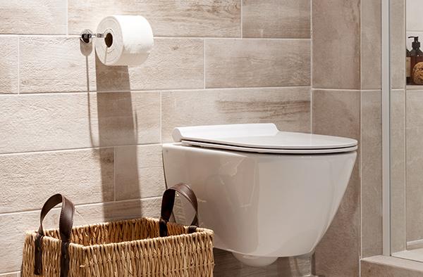 Zandkleur badkamer tegels