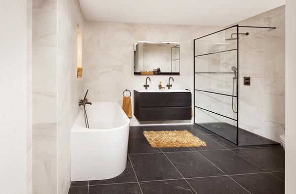 Zwartwitte badkamer